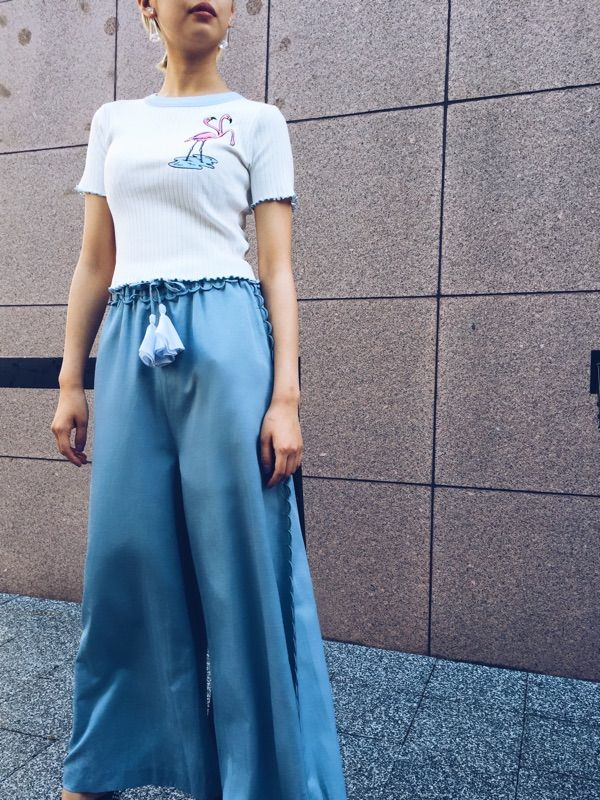 PAMEO POSE(パメオポーズ) |LACE-TRIMMED WIDE TROUSERS コーデ01
